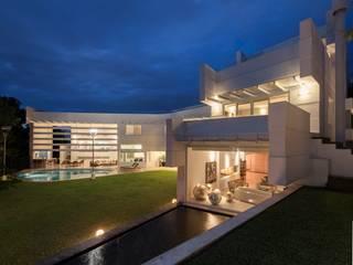 Vista del conjunto PLADIS Casas de estilo moderno