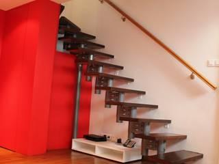 Maison Région Parisienne RUEIL MALMAISON Couloir, entrée, escaliers modernes par monicacordova Moderne