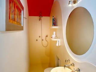 Casa Santiago 49: Baños de estilo  por Taller Estilo Arquitectura