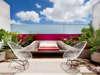 Taller Estilo Arquitectura Balcone, Veranda & Terrazza in stile moderno