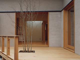 Jardin de style  par 堀内総合計画事務所, Éclectique