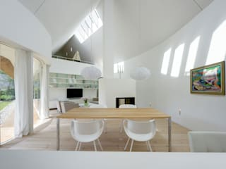 Dining room by Möhring Architekten