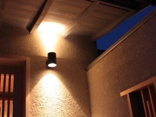 牟礼町の家: 一級建築士事務所 CAVOK Architectsが手掛けた壁です。
