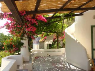 Balcones y terrazas de estilo mediterráneo de Studio di Architettura Manuela Zecca Mediterráneo