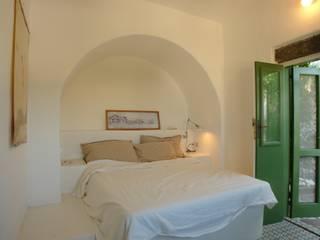 Studio di Architettura Manuela Zecca BedroomBeds & headboards
