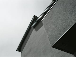 三条町の家: 一級建築士事務所 CAVOK Architectsが手掛けた家です。