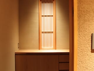 三条町の家: 一級建築士事務所 CAVOK Architectsが手掛けた窓です。