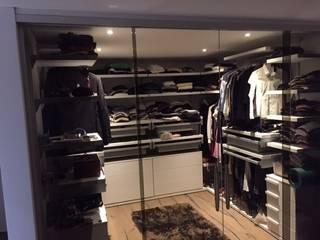 MARA GAGLIARDI 'INTERIOR DESIGNER' Dressing roomWardrobes & drawers
