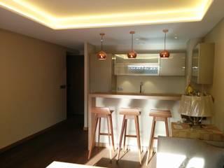 Appartement centre Megève:  de style  par SP Intérieurs