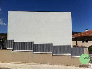 Fachada este. Fachada principal.: Casas de estilo  de Cell Workshop Architecture