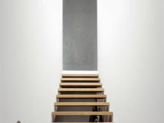 Einfamilienhaus Fehraltorf, Schweiz Moderner Flur, Diele & Treppenhaus von mpp architekten ag Modern