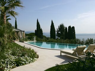 Classic style pool by Paghera Classic