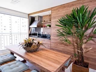 Patios & Decks by Cavalcante Ferraz Arquitetura / Design , Modern