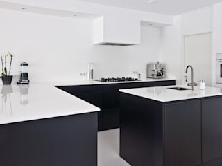Kitchen: modern  door INspirazia, Modern