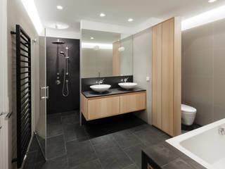 Ванная комната в . Автор – Tischlerei Krumboeck