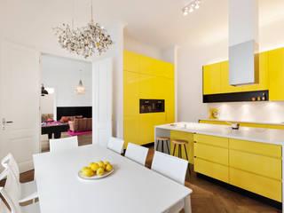 Cozinha  por Tischlerei Krumboeck