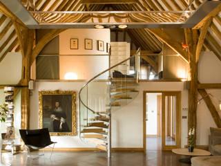 Denne Manor Barn Moderner Flur, Diele & Treppenhaus von Lee Evans Partnership Modern