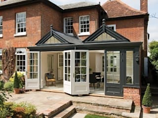 Garden Room: classic Conservatory by Westbury Garden Rooms