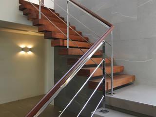 Corredores, halls e escadas modernos por Studio Nomo Moderno
