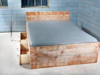 Bett SANNES mit 2 Bettkasten : landhausstil Schlafzimmer von homify