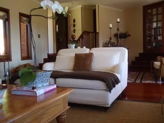 Liliana Zenaro Interiores Living roomSofas & armchairs
