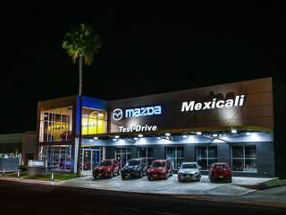 PLAZA DEL VALLE, MEXICALI de Grupo HEER arquitectura + contruccion Moderno