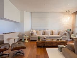 Helô Marques Associados Classic style living room