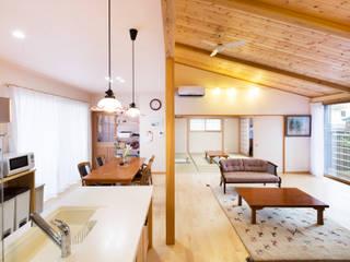 by 志賀建築設計室 Eclectic