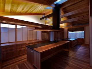 Me house オリジナルデザインの キッチン の ATELIER A+A オリジナル