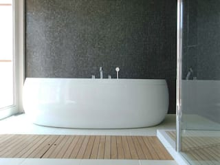Modern Bathroom by ATELIER A+A Modern