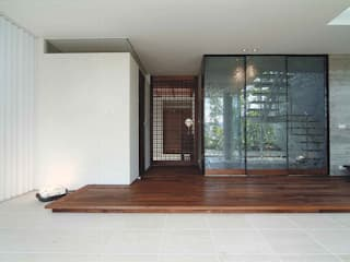 Ma house: ATELIER A+Aが手掛けた廊下 & 玄関です。