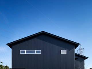 家族をつなぐスキップフロアの家 モダンな 家 の 小田達郎建築設計室 モダン