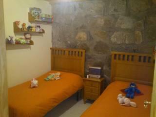 Habitación de niños de Muebles Montemayor, S.L. Rústico