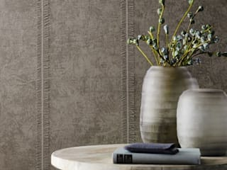 Textiler Streifen mit Besonderheit: ausgefallene Wohnzimmer von Tapetenmarkt + Handelsagentur