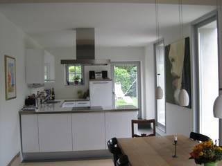 Cocinas de estilo moderno de Binder Architektur AG Moderno
