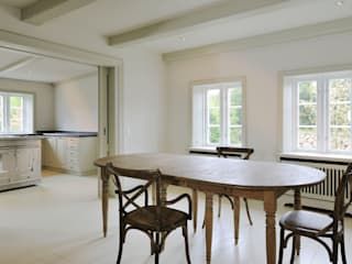 Dining room by Ralph Justus Maus Architektur