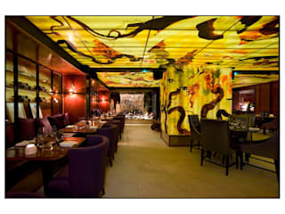 Ceiling art back-lighted from 18.000 LED Bar & Club in stile eclettico di Noumeda Carbone artist and freelance illustrator Eclettico
