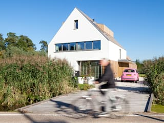 Modern Houses by Équipe architectuur en urbanisme Modern