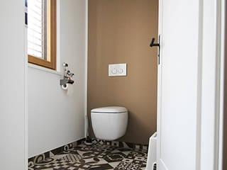 Sanierung eines Einfamilienhauses Moderne Badezimmer von tbia - Thomas Bieber InnenArchitekten Modern