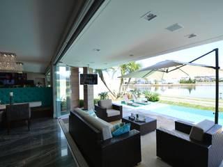 Eliane Fanti Arquitetura Balcone, Veranda & Terrazza in stile moderno