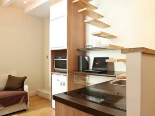 Studio optimisé à Saint Germain des près Couloir, entrée, escaliers modernes par MSD architecte d'intérieur Moderne
