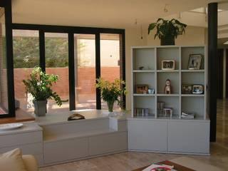 muebles apa モダンデザインの リビング 灰色