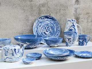 Blue and White Collection: modern  by Nom Living, Modern
