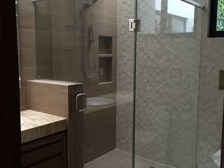 Modern bathroom by Revah Arqs Modern