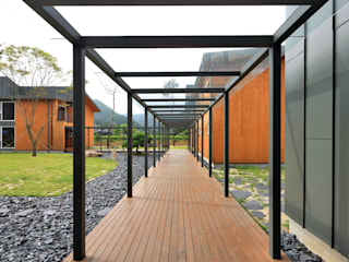 Red School KAWA Design Group Modern houses