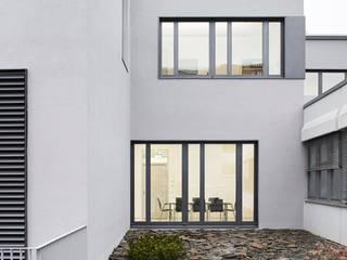 Laborgebäude für präklinische Bildgebung:  Krankenhäuser von Architekten + Partner Dannien Roller BDA
