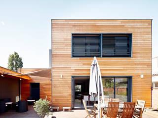 MAISON L33: Maisons de style  par Cendrine Deville Jacquot, Architecte DPLG, A²B2D