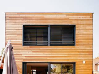Casas de estilo moderno por Cendrine Deville Jacquot, Architecte DPLG, A²B2D