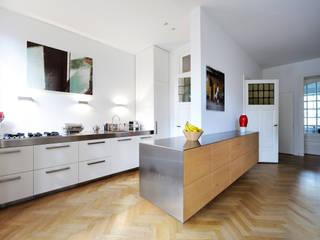 Voorwinde Architecten Modern kitchen
