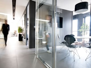TG STUDIO Ingresso, Corridoio & Scale in stile moderno